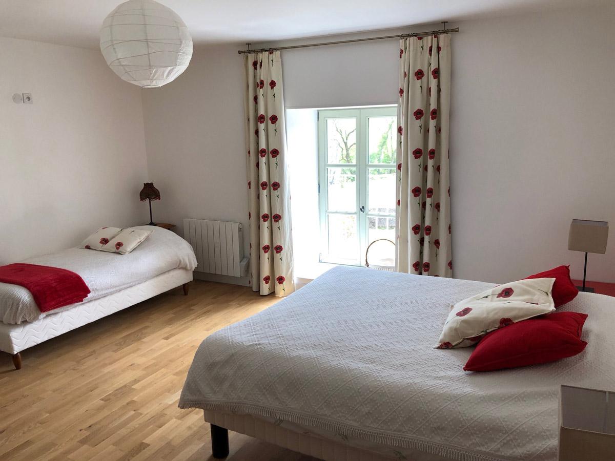 Rouge Dans Une Chambre la chambre rouge - la ferme de chailly sur armançon